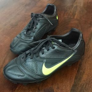 Nike Soccer Cleats Youth Size 2Y